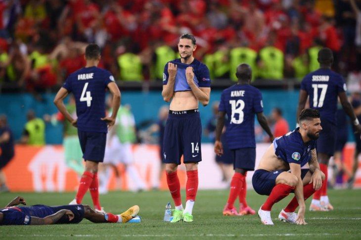 Juara dunia Prancis tumbang di tangan Swiss lewat adu penalti